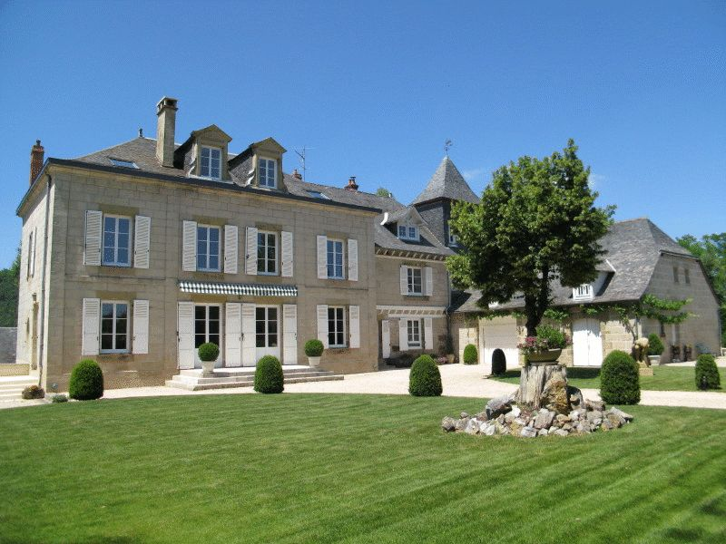Manoir dating from 1513 with complete history