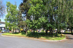 Pentland Gardens Compton