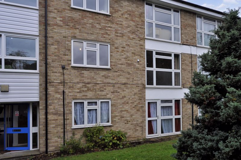 Apsley Close
