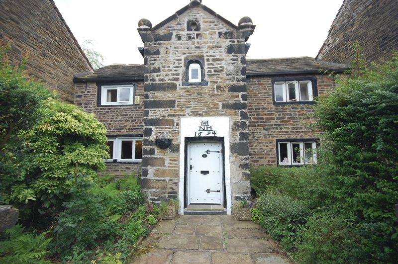 3 Bedrooms Property for sale in Back Lane Mottram, Hyde