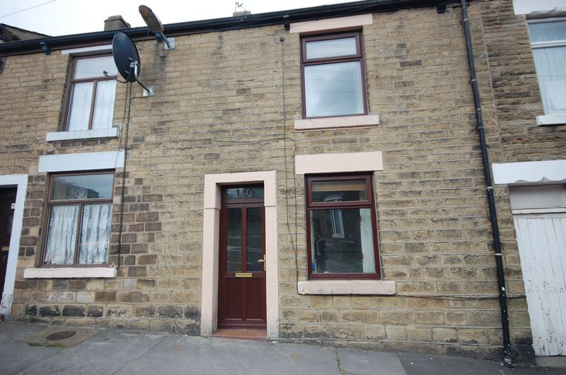 2 Bedrooms Property for sale in St Marys Road, Glossop