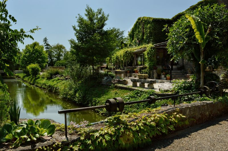 Historic mill house: beautifully renovated - 7 beds, 6 bathrooms, swimming pool