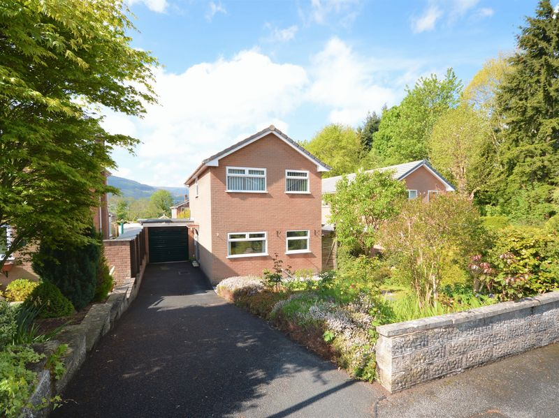 3 Bedrooms Property for sale in Meadow Lane, Abergavenny