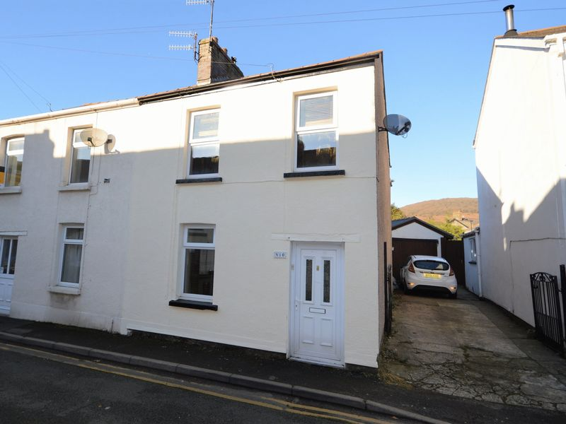 2 Bedrooms Property for sale in Prospect Road, Abergavenny