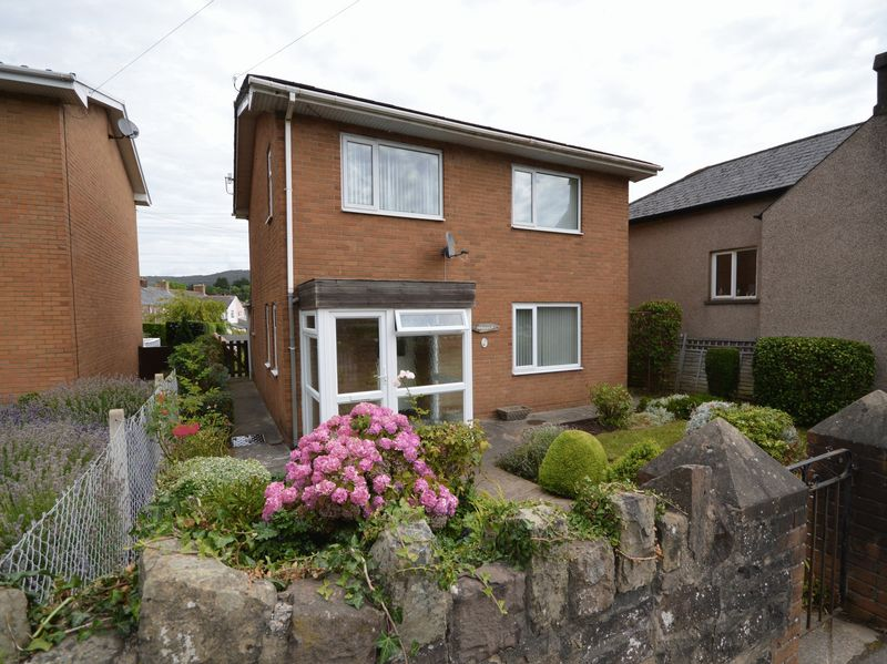 3 Bedrooms Property for sale in Merthyr Road Llanfoist, Abergavenny