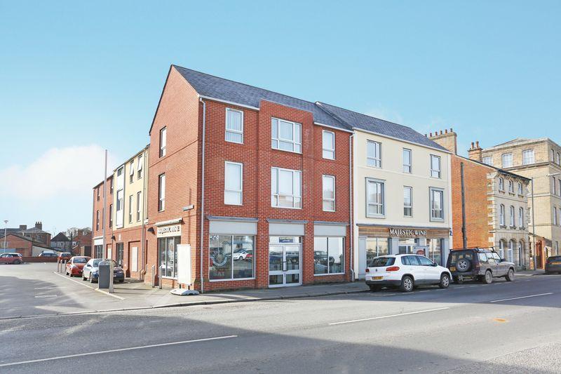 2 Bedrooms Property for sale in New Park Street, Devizes