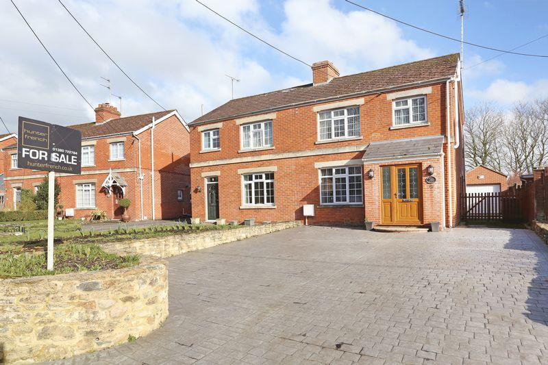 3 Bedrooms Property for sale in Pans Lane, Devizes