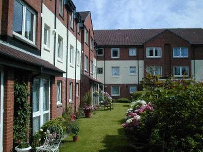 1 Bedroom Property for sale in 19 Keil Court, Helensburgh, G84 7AW