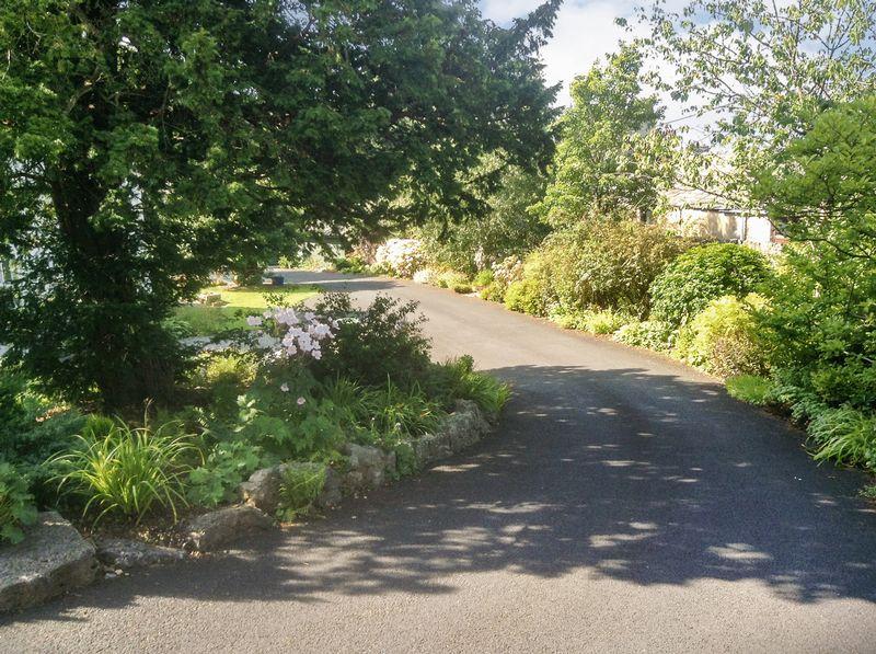 Wood Close Gardens