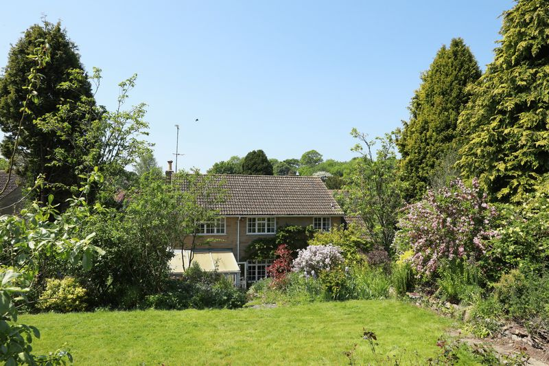 Middle Ridge Lane Corton Denham