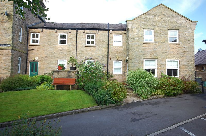 1 Bedroom Property for sale in Ollersett Drive New Mills, High Peak