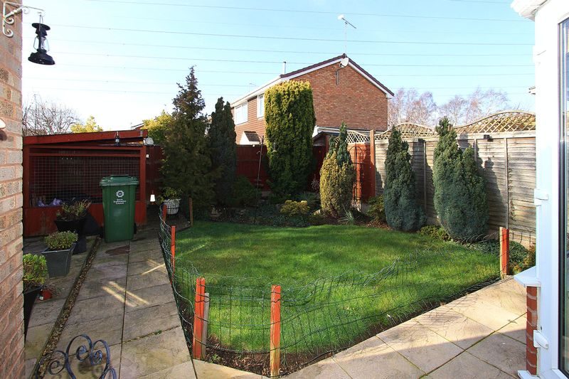 Green Meadow Close Wombourne
