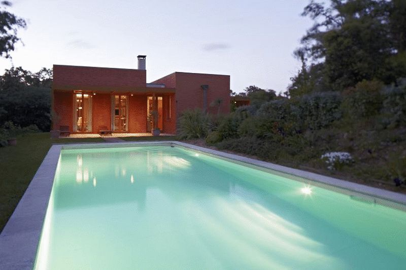 Stunning contemporary house in an unspoilt setting