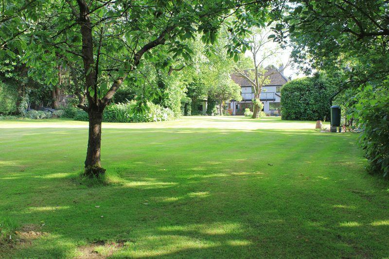 Rushmoor Lane