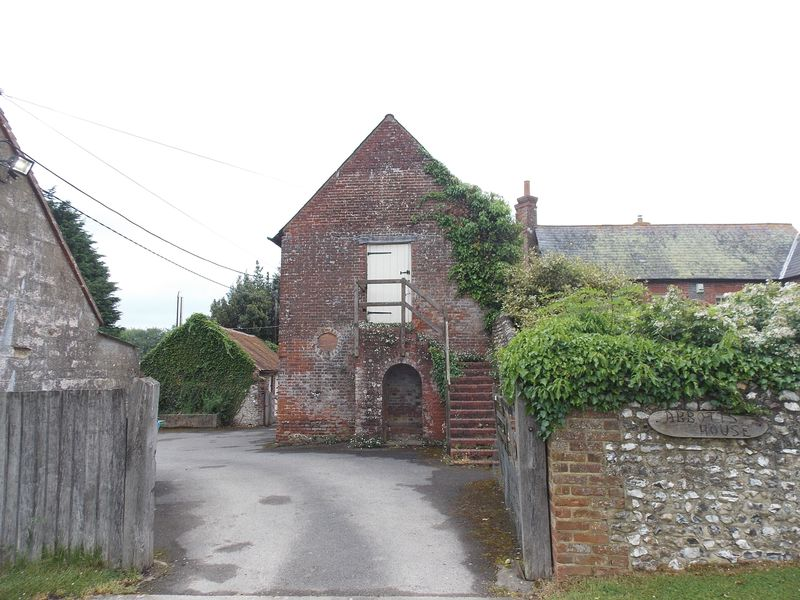 Hole Street, Wiston