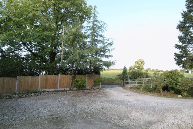 Hartwell Lane Rough Close
