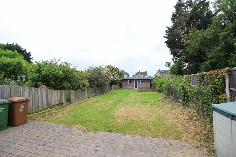 Longlands Park Crescent