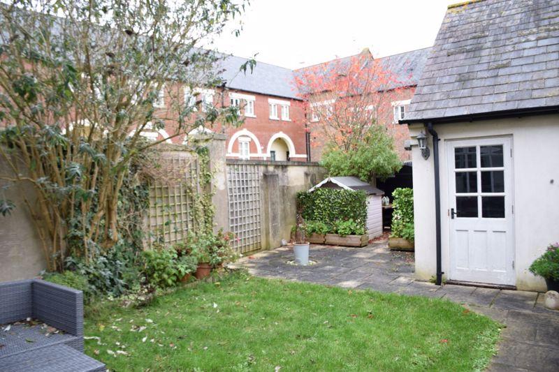 Billingsmoor Lane Poundbury